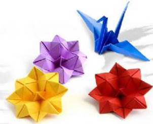 Descripción: R:\Areas\CCultural\CENTRO CULTURAL\FOTOS\FOTOS CCNG\Origami\Origami plegado de papel.jpg